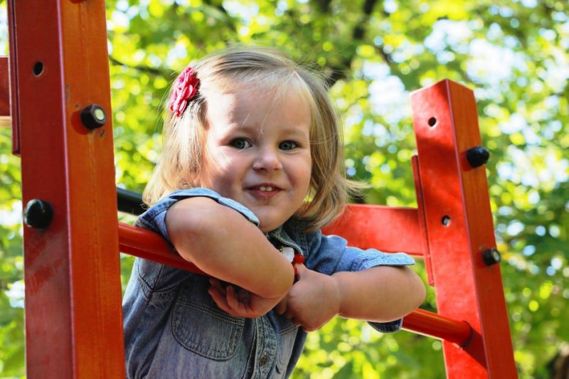 宝宝氙气是什么症状宝宝疝气的原因有什么