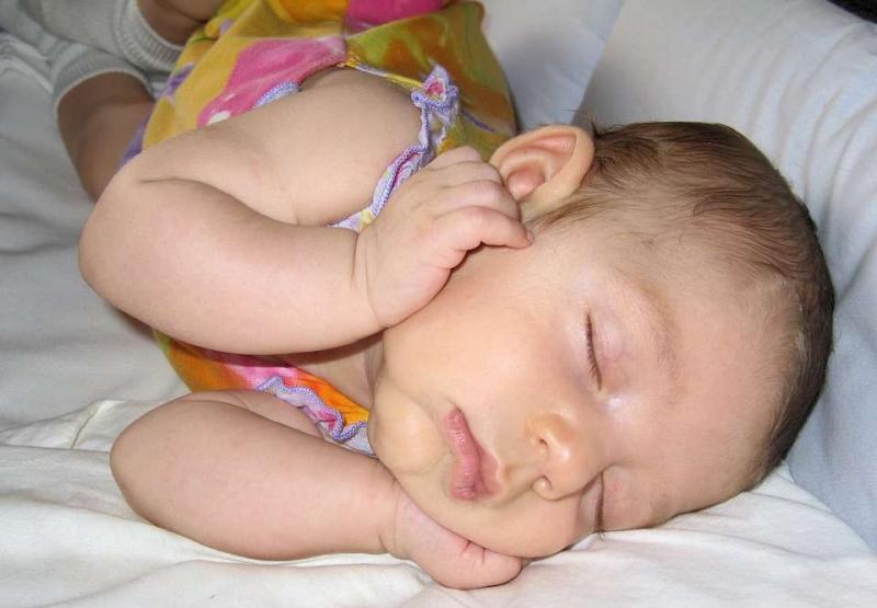 宝宝一到晚上就咳嗽怎么缓解小儿夜间咳嗽偏方
