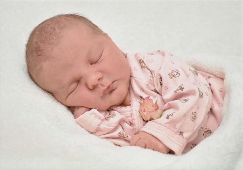 四个月宝宝喂养时间表4个月宝宝辅食喂养技巧